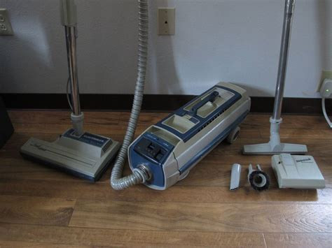 Vacum N Electrolux electrolux vacuum canister grand marquise 1521 cleaner set