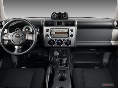 how cars run 2008 toyota fj cruiser interior lighting 2007 toyota fj cruiser interior u s news world report