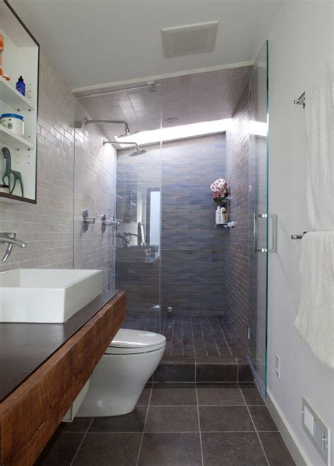 Schmales Bad Ideen by 1000 Ideas About Narrow Bathroom On