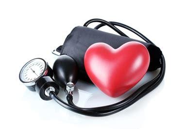 mal di testa e pressione alta pressione alta la mattina esami sangue cause