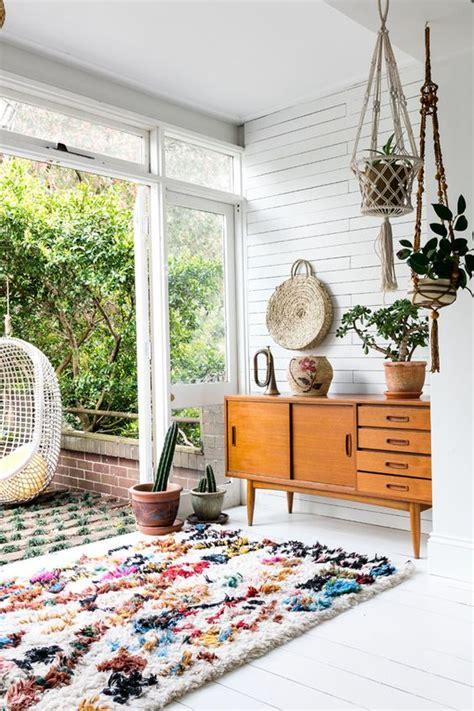 Karpet Bulu Bermotif memiliki 6 model karpet lantai ini bikin betah di rumah