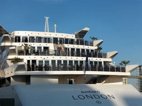 yacht hotel sunborn london a luxurious super yacht wedding venue