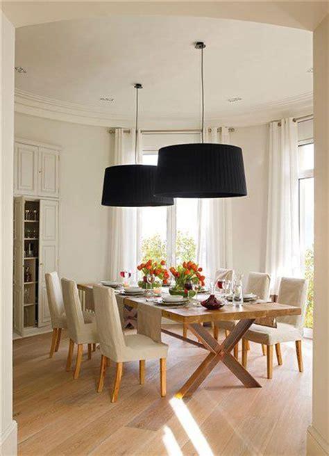 lamparas negras comedor sencillo  lamparas llamativas