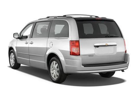 how it works cars 2010 chrysler town country parking system 2010 chrysler town country pictures photos gallery the car connection