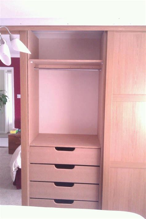 Wardrobe Rails B Q by X4 Sliding Door Wardrobe With Built In Rails And Drawers