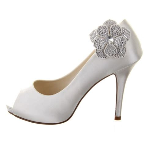 Posso The Spat Bold The Shoe Accessories Inspired By The Late 1800s by Rainbow Club Vela Shoe Bridal Jewellery
