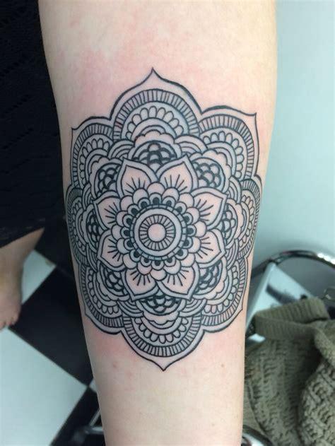 mandala tattoo grey 13 best tattoo black and grey images on pinterest tattoo