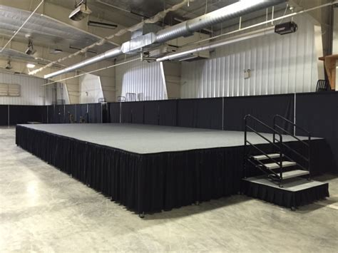 Convention Stage Rental   Milwaukee Stage Rentals