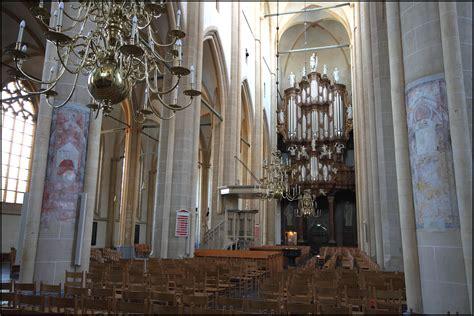 monumental church