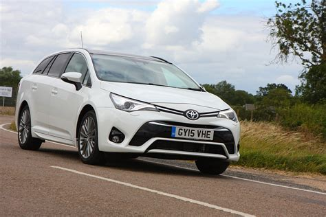 How Much Is Toyota Avensis Toyota Avensis Touring Sports Review 2015 Parkers