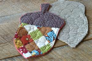 Youtube Home Decor by Patchwork Acorn Potholder 5 Therm O Web