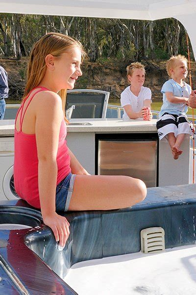 house boat hire victoria luxury houseboats murray river echuca house boats