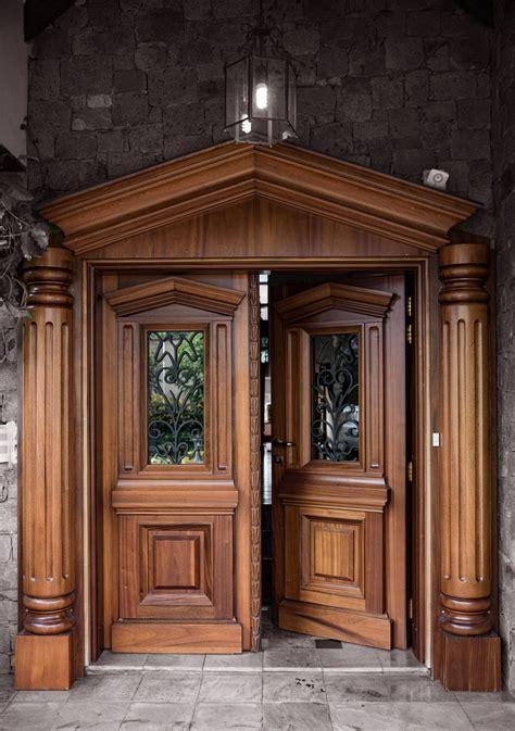 solid mahogany door  bulletproofing internals
