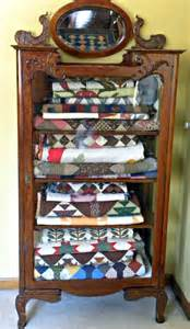 Quilt Storage Cabinets Persnickety Quilts I Ll Show You Mine If You Show Me Yours