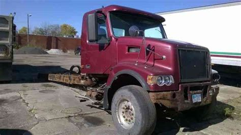 volvo heavy duty trucks for sale volvo vhd 2006 heavy duty trucks