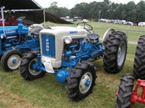 elenco dive 1000 images about antique tractors on