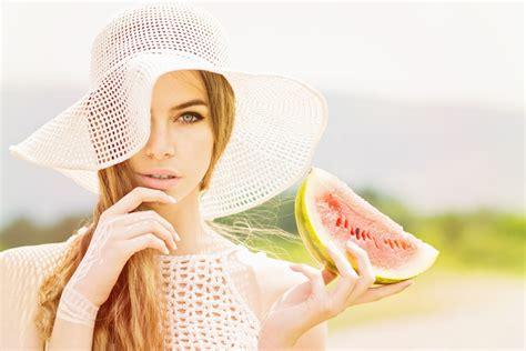 alimenti fanno bene alla pelle 10 alimenti fanno bene alla pelle diredonna