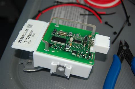 toyota camry remote keyless entry receiver location