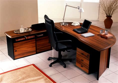 Choosing The Perfect Office Desk To Meet Your Professional Office Desk Work