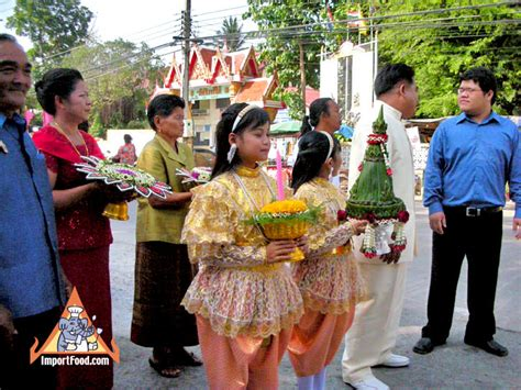 thailand wedding traditions the traditonal thai wedding and food in the celebration