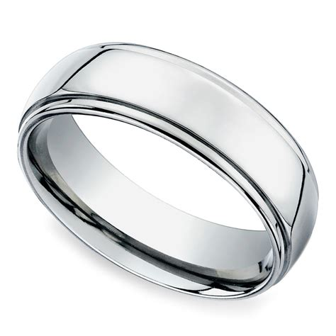 beveled s wedding ring in platinum 7mm