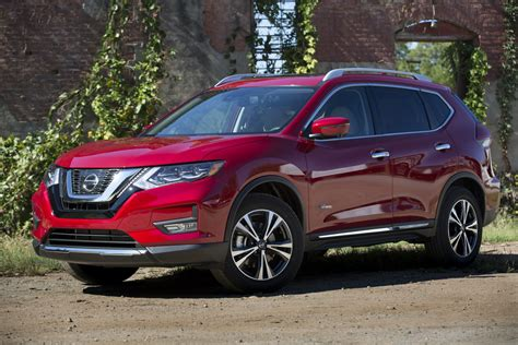 2017 nissan rogue 2017 nissan rogue hybrid goes on sale starts from 26 240