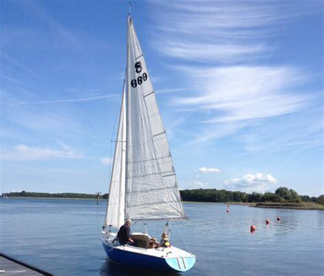 snelle kajuitzeilboot boot huren zeeland de arne ideaal gelegen aan het