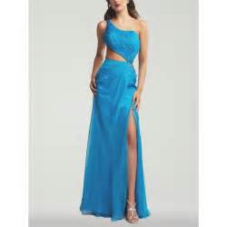 How to find suitable formal dresses for women