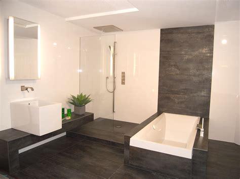 einfaches badezimmer umgestalten sch 246 ne ideen f 252 r kleine b 228 der badezimmer