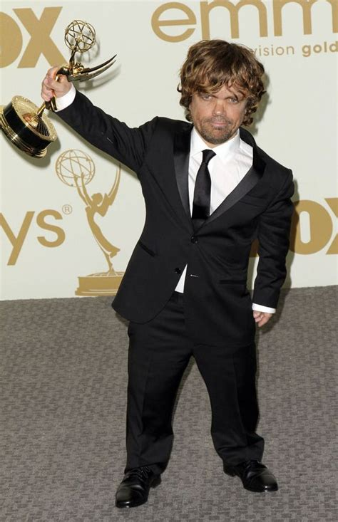 cast of game of thrones midget peter dinklage wins an emmy for tyrion lannister woo hoo
