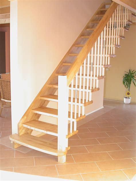 brüstungsgeländer treppenstufen holz raumspartreppe bvrao