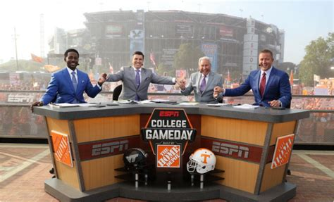 espn s college gameday to make time stop at