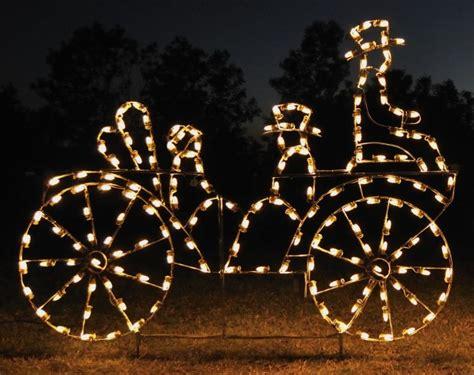 18 Amazing Outdoor Christmas Light Displays Style Motivation Outdoor Light Displays
