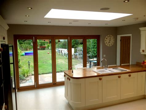 bifold kitchen doors bungalow bifolding doors kitchen solution bungalow