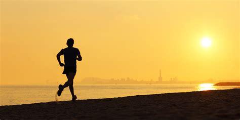 sehatkah lari  malam hari bagi tubuh merdekacom