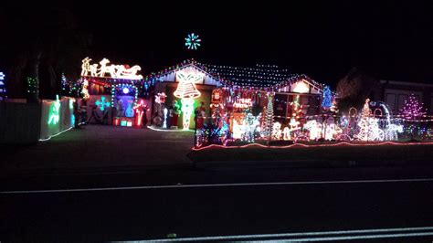 where to see the illawarra s best christmas lights 2014