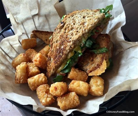 Cooking The Cover Gourmets Grilled Cheese by Look And Review The New Roaring Fork At Disney S