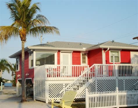 Beachfront Cottages Florida by Last Call For These Quaint Cottages Ft Myers