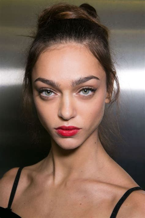 red lips at bianca spender the best beauty looks at the best makeup trends for spring 2016 backstage beauty
