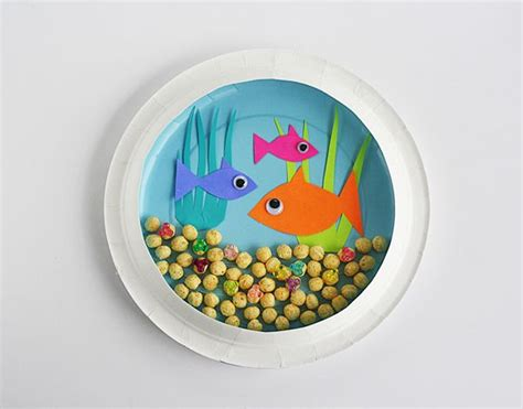 How To Make A Paper Aquarium - paper plate aquarium