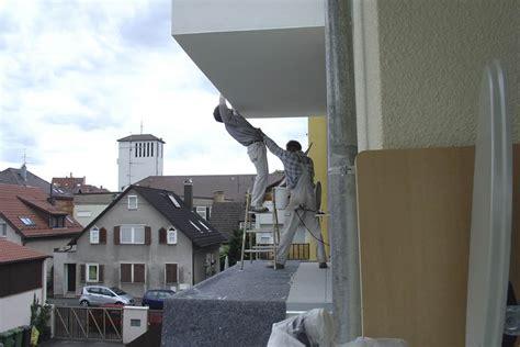 Gestell Auf Dem Bau by Vertrauenssache Lustige Maler Auf Dem Bau Foto Bild