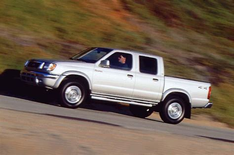 2000 nissan frontier lowered 1998 04 nissan frontier consumer guide auto