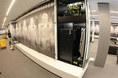 oregon ducks athletic room a look inside the 68m oregon ducks football center portland business journal