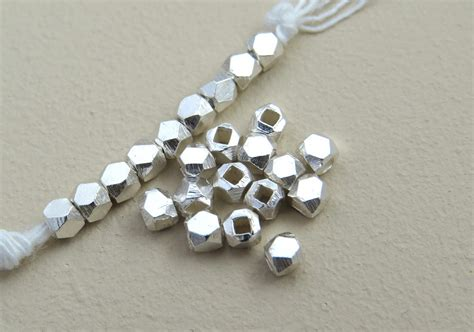 101080017s Silver 2 5mm Cornerless Faceted