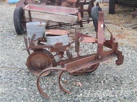 Cole Planter For Sale by Cole Row Planter For Sale Nc Price 250 Used