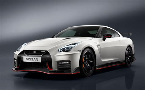 what is the price of a nissan gtr 2017 nissan gt r nismo price jumps 25 000 to 176 585