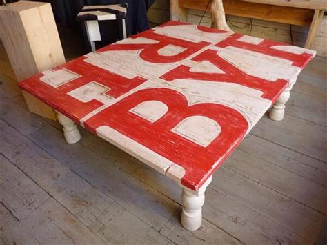 Painted Pallet Coffee Table Diy Painted Pallet Coffee Table 99 Pallets
