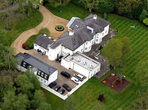 angelina jolie and brad pitt house brad pitt and angelina jolie 24 000 a month rental property in surrey england location for
