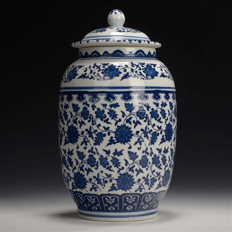 blue and white porcelain chinese handmade blue and white porcelain pot qianlong