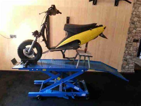 125er Unfall Motorrad by Hyosung Roller 125er Unfall Und Bastlermotorr 228 Der